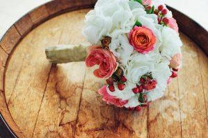 Budete se brát? Víme, jaké jsou svatební květinové trendy tohoto roku